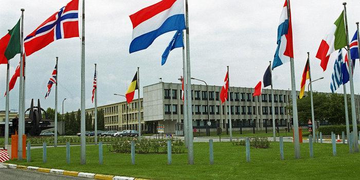 НАТО: Киев проиграл войну