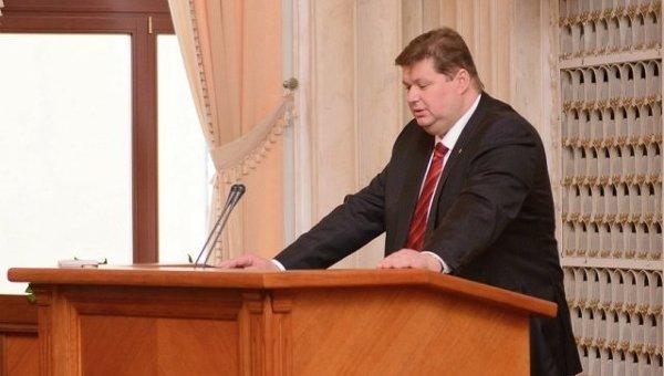 Яценюк хочет отгородиться от России «реальной» стеной