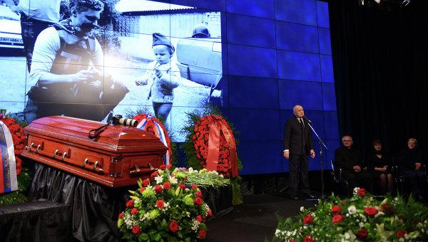 В Москве похоронили фотокорреспондента Андрея Стенина