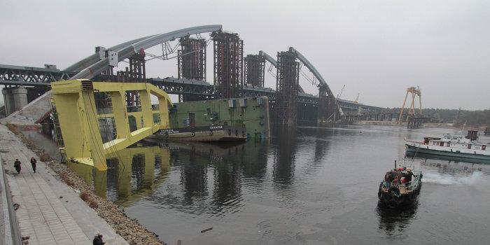 В Николаеве украли самый большой плавкран в Европе