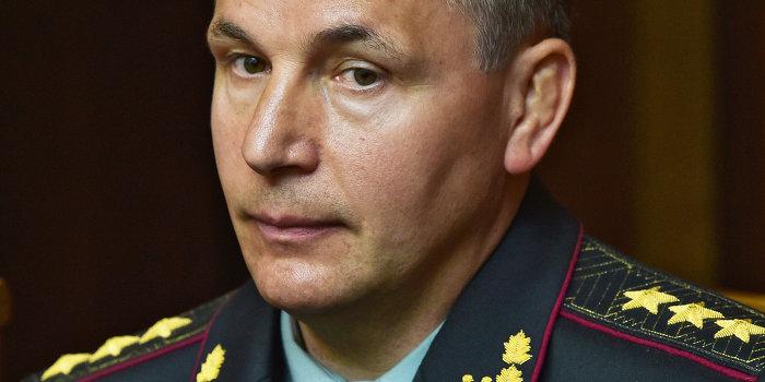 Волонтеры подают в суд на министра обороны Украины