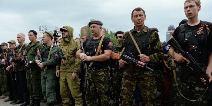 В ЛНР прошел парад армии Новороссии