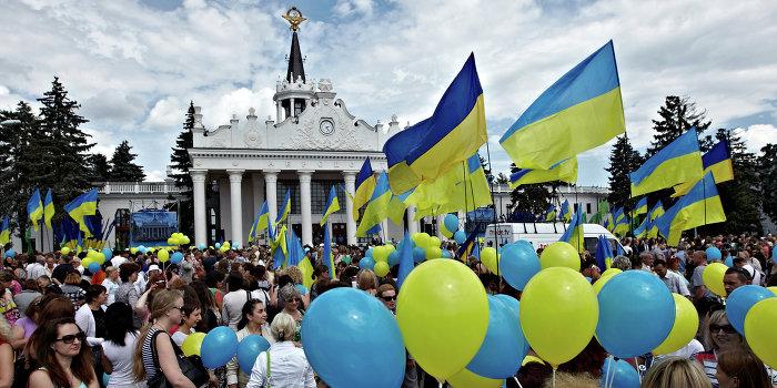 Харьков снимает украинские флаги