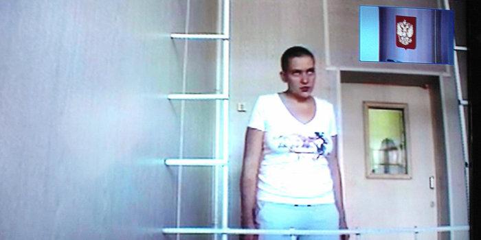 Летчица Савченко обвиняется в пытках священника