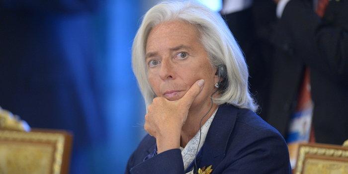 МВФ требует от Яценюка остановить печатный станок