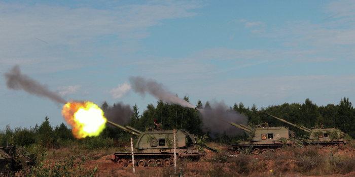 Каратели с новыми силами обстреливают мирных жителей Донбасса