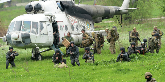 Бойцы 25-й  аэромобильной бригады ВСУ зарыли расстрелянных ими людей