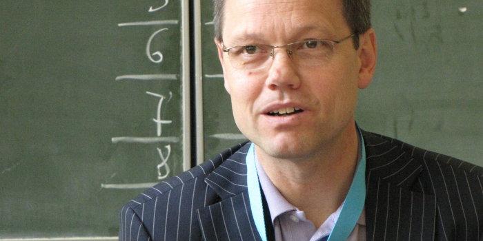 Шеф-редактор немецкого канала ARD извинился перед зрителями за необъективность