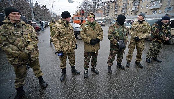 Родители окруженных под Дебальцево бойцов ВСУ митингуют в Киеве