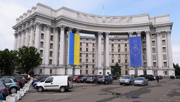 Украинцам массово отказывают в выдаче шенгенских виз