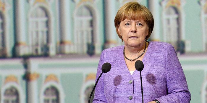 Меркель: Германия не собирается поставлять оружие Киеву