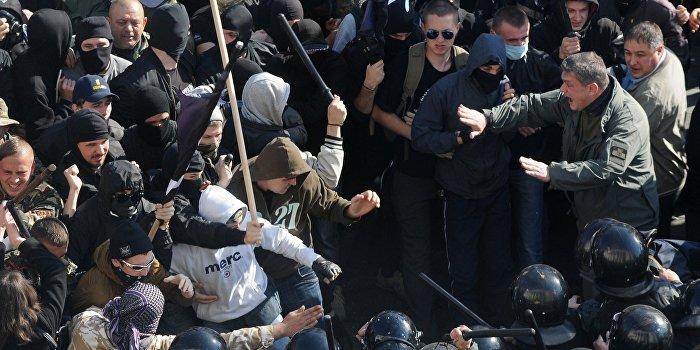Американский журналист: Среди сторонников госпереворота на Украине произошел раскол