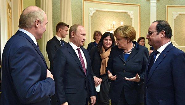 Путин, Меркель и Олланд обсудили соблюдение режима прекращения огня в Донбассе