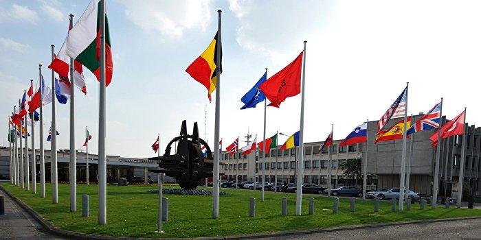 NI: Украина лишилась права решать, вступать ли ей в НАТО