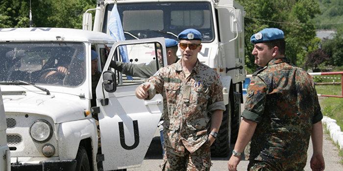 Украина одновременно просит у Запада оружие и миротворцев