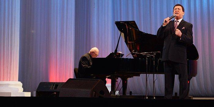 Кобзон выступил в Донецке с концертом на День защитника Отечества