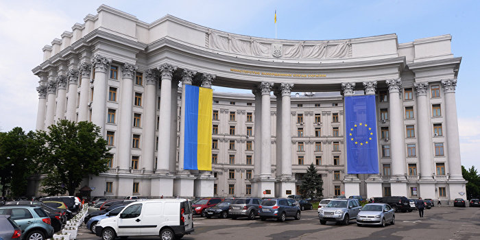 Российских журналистов НТВ и «Первого канала» выдворяют из Украины