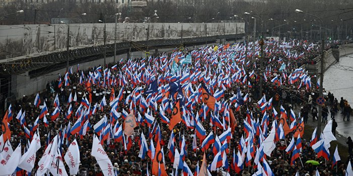 Украинские СМИ опубликовали «фейковые» фото российских военных на траурном марше в Москве