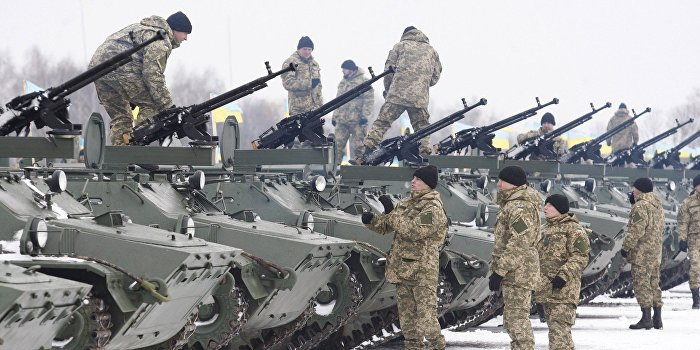 «Foreign Affairs»: Эксперты выступили против поставок американского оружия на Украину