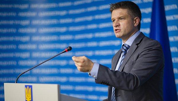 Абромавичус: Без прекращения войны украинская экономика не выживет