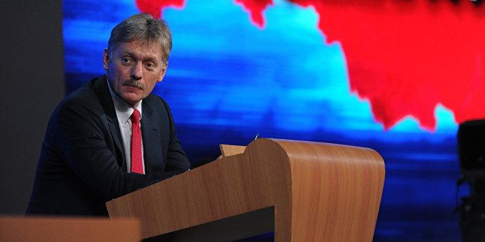 Песков объяснил появление слухов о болезни Путина весенними обострениями