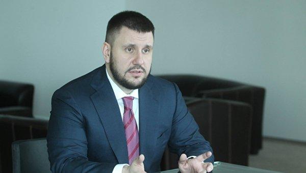 Клименко: К концу года доллар будет стоить более 30 гривен