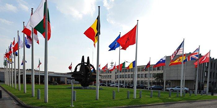 В НАТО никогда всерьез не рассматривали поставки оружия Украине