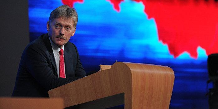 Песков: К Киеву надо применить санкции за невыполнение минских договоренностей