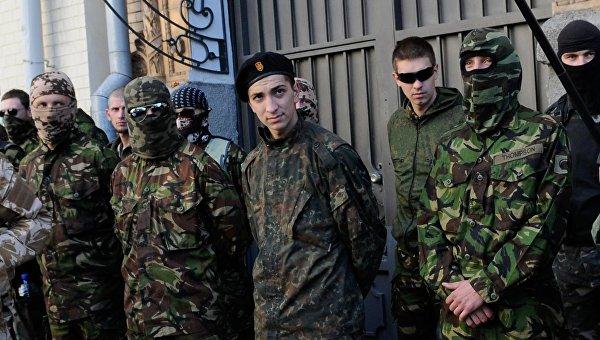 Украинские радикалы вербуют подростков для участия в «АТО»
