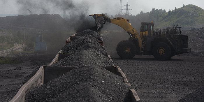 США отправили на Украину первую партию угля