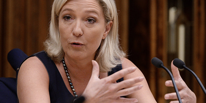 Путин побеждает на выборах во Франции