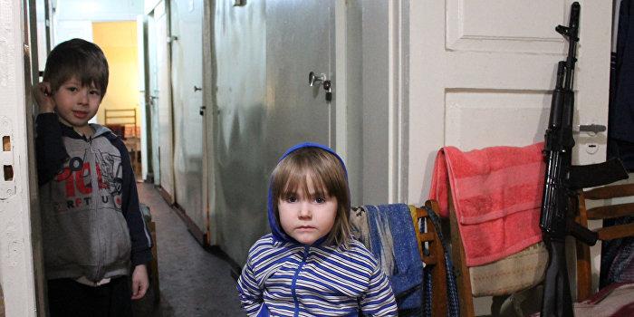 Украина не отпускает детей, эвакуированных в январе из Дебальцево под Днепропетровск