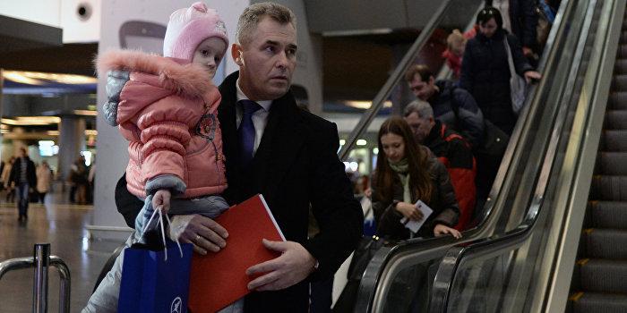 Астахов: Усыновление детей-сирот Донбасса станет возможным после начала работы судов