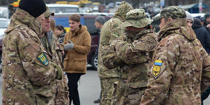 Коцаба:  Что это за фейковые люди ходят в камуфляже на Украине?