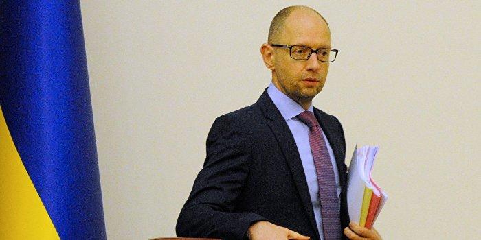 Яценюк: Украинские СМИ далеки от независимости