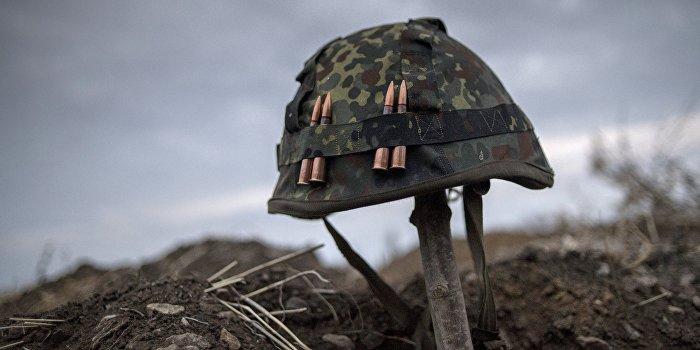 Снайпер ВСУ выстрелил в ополченца во время съемки репортажа