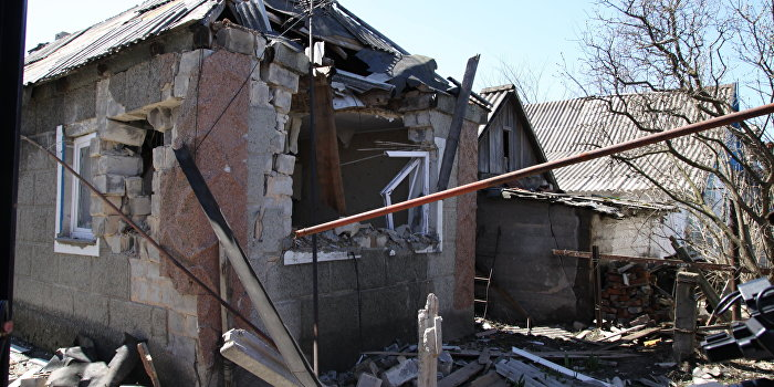 Украинские силовики на Пасху открыли огонь в Донбассе