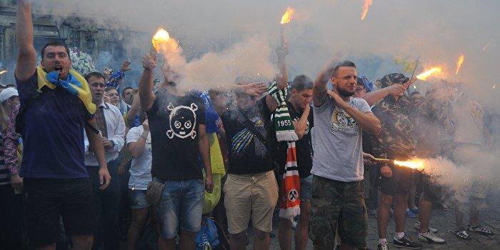 По центру Одессы вновь маршировали «свободовцы» и другие неонацисты