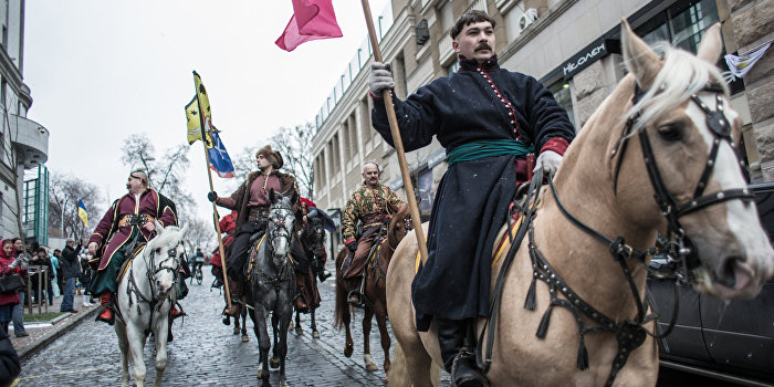 Генерал Водолацкий призвал украинских казаков не сотрудничать с нацистами и бандеровцами