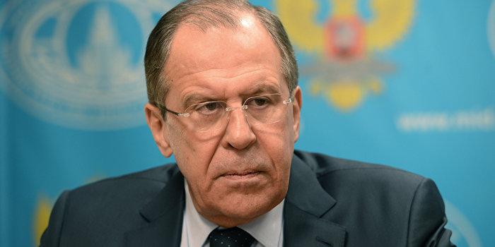Лавров: Украине необходимо отказаться от упертости в вопросе унитарности