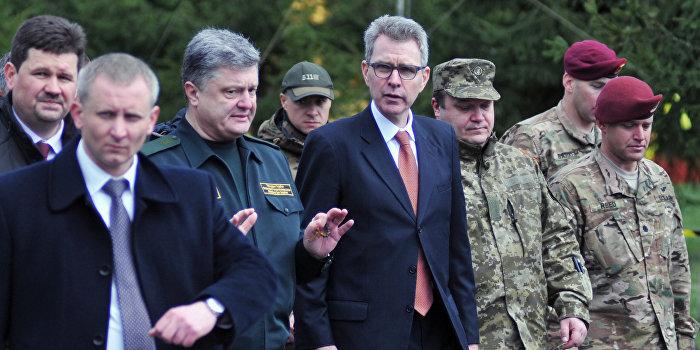 Присутствие натовских военных на Украине преследует сразу две цели