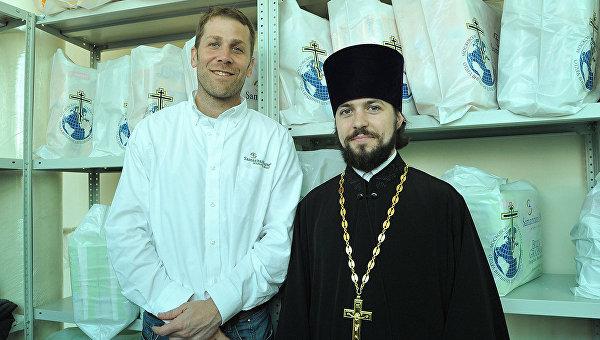 РПЦ помогает пострадавшим на Украине вместе с благотворителями из США