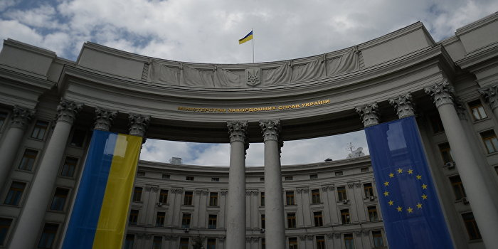 Propagandaschau: Американские пиарщики создали Украине образ «Титаника»