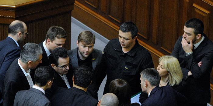 Семенченко требует от Минобороны оружие
