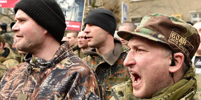 «Правый сектор» устроил «37 год» украинским волонтерам