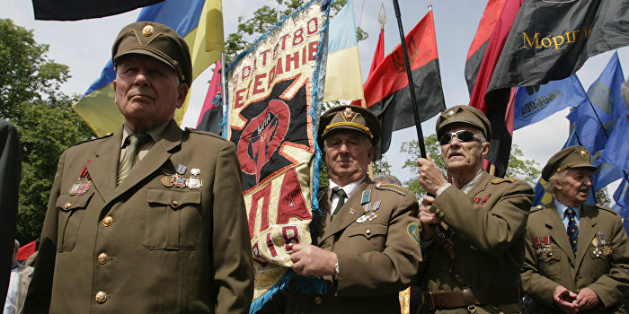 Посол Польши уравнял преступления «героев Украины» с геноцидом армян