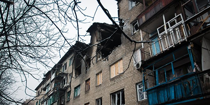 Украинские силовики преднамеренно уничтожают жилые дома Донбасса