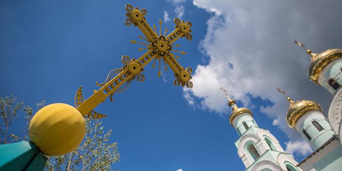 «Правый сектор» захватывает храмы с благословения церкви?