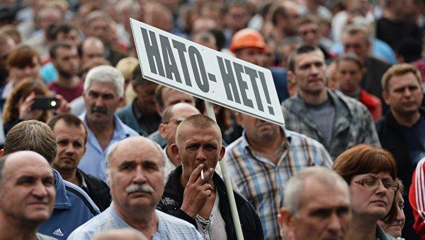 Порошенко продолжает настаивать на вступлении Украины в НАТО