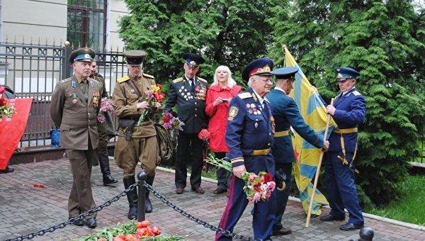 В Харькове прошло запрещенное судом шествие ко Дню Победы